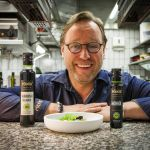 Top chef Thomas Bühner interprets the classic tomato with mozzarella in a different way. Summertime is the high season for something fruity! The Pödör sour cherry balsamic vinegar sets an intensive fruity accent. With this, Pödör poppy seed oil works very well as a counterpart.